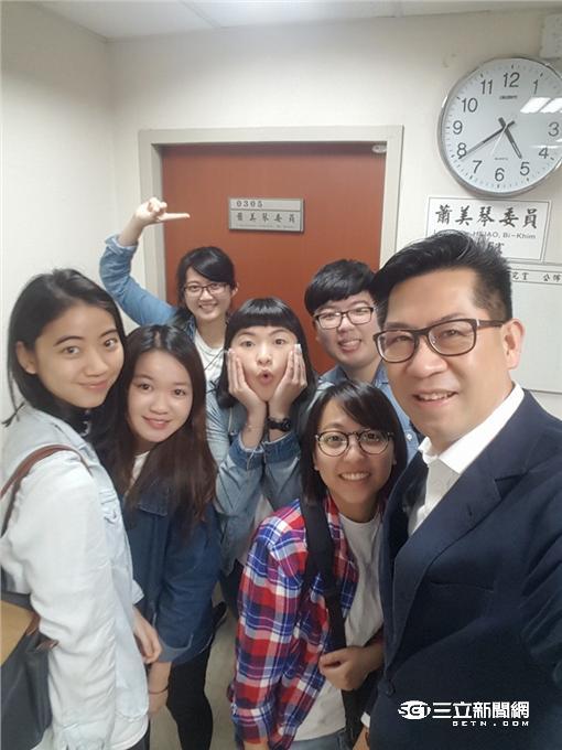 一路坐回家!六個大學生為花東人請命 火車票政策露曙光