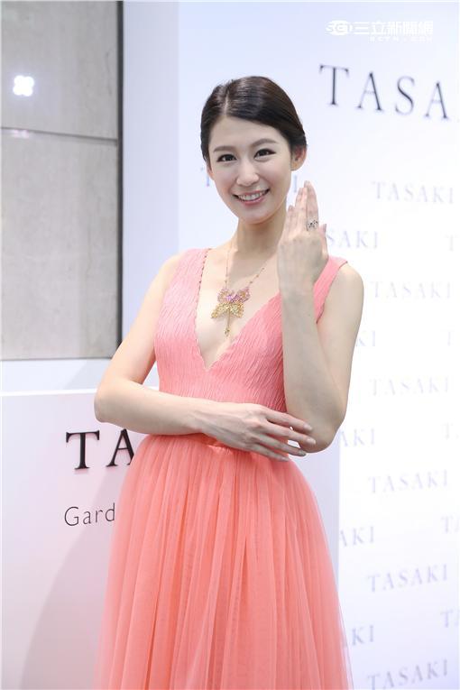 名模趙孟姿為TASAKI 2016高級珠寶展展示新款珠寶