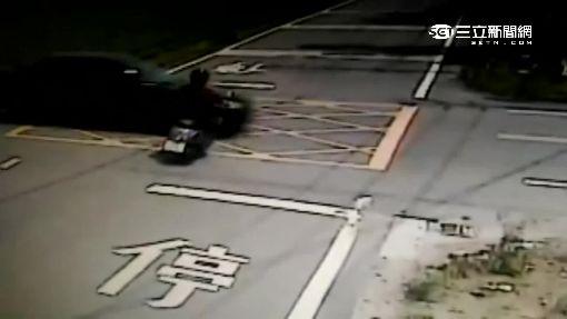 轎車擦撞機車 砰!騎士被彈飛送命