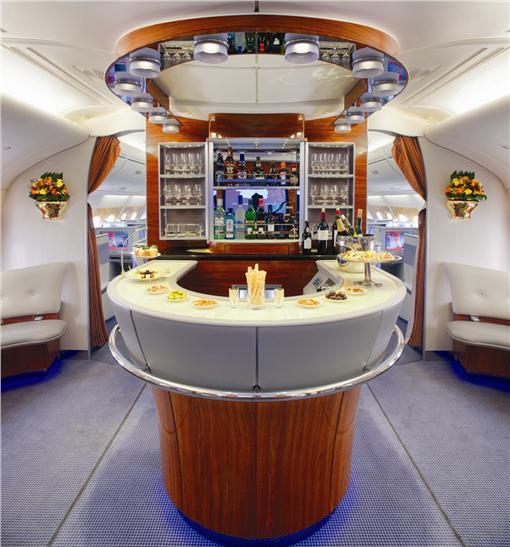 阿聯酋航空A380機上貴賓休息室。(圖/阿聯酋提供)