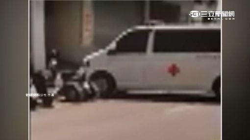 救護車倒車撞貨車 目擊者控駕駛落跑