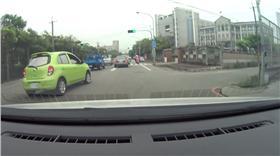 檢舉,交通,違規,罰單,行車紀錄器,惡意行為,超車,龜速 Lin cc YouTube https://www.youtube.com/watch?v=nx1EJDNuhfg