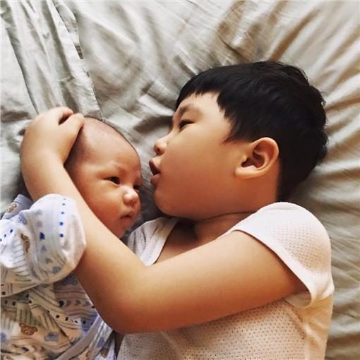 朱芯儀臉書直呼生兒子也很貼心。(圖/翻攝自朱芯儀臉書)