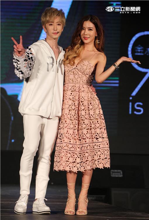 韓星RK金承熙來台宣傳個人專輯,MV中女主角韓國名模Yujin到場站台。(記者邱榮吉/攝影)