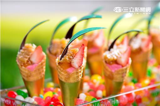台北W飯店新推出「莓好人生」下午茶饗宴。(圖/台北W飯店提供)