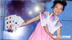 蘇運瑩「鬼馬精靈」唱響華語樂壇,踩「穩贏滑板」挺進金曲獎。(記者邱榮吉/攝影)