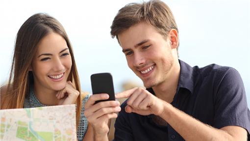 上網sim卡吃到飽,出國不用再到處找 wifi 。(圖/KKday提供)