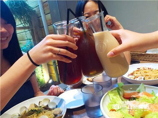 ▲周末暴食體重增 上班日減肥法成流行?!(圖/利眾公關)