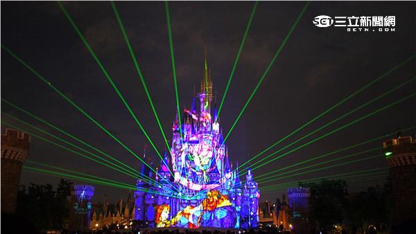 東京迪士尼樂園童話之夜。(圖/記者簡佑庭攝影)
