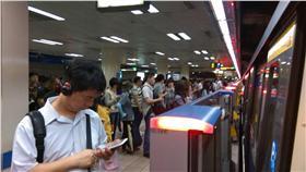 ▲台北捷運今早卡卡 影響3萬1千人(圖/市議員戴錫欽辦公室提供)