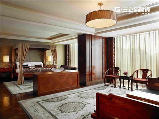 北京麗晶酒店推出「荷塘京城」住房專案,一探盛夏荷花綻放的絕美景色。(圖/晶華麗晶集團提供)