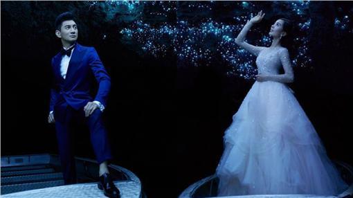 吳奇隆和劉詩詩「隱藏版婚紗照」(圖/翻攝自太陽動力文化傳播微博)