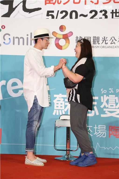 韓星蘇志燮來台宣傳韓國觀光,熱情擁抱幸運粉絲