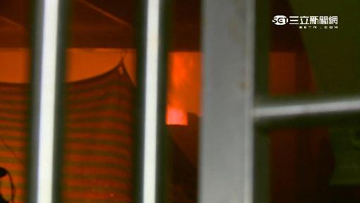 華西街夜市大火 資源回收鐵皮屋遭燒毀