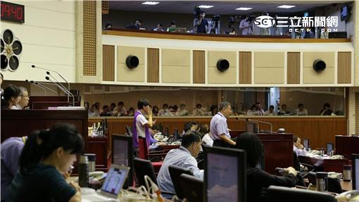 ▲柯文哲赴市議會報告大巨蛋(圖/市政府提供)