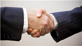 握手。(Flickr/Flazingo Photos) https://goo.gl/s9Rt9o