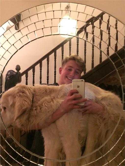 狗,https://www.buzzfeed.com/juliegerstein/this-guys-heartwarming-story-about-his-puppy-with-cancer-wil?utm_term=.vj80MonxKL#.fl2R3qByQ2