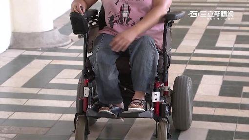 電動輪椅改裝車!? 馬路飆速路人傻眼