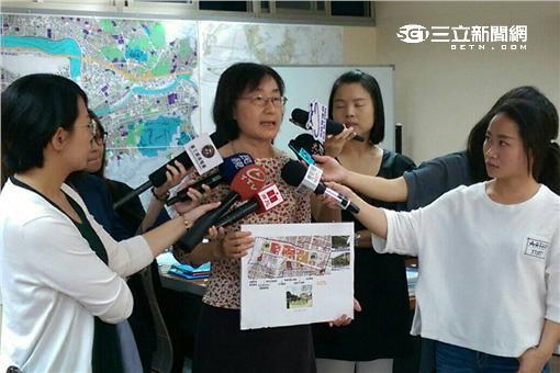 ▲交通局長鍾慧諭說明國光客運搬遷補償(圖/北市交通局提供)