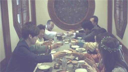 婚禮,安宰賢,具惠善,對望,夫妻 圖/翻攝自韓網Dispatch