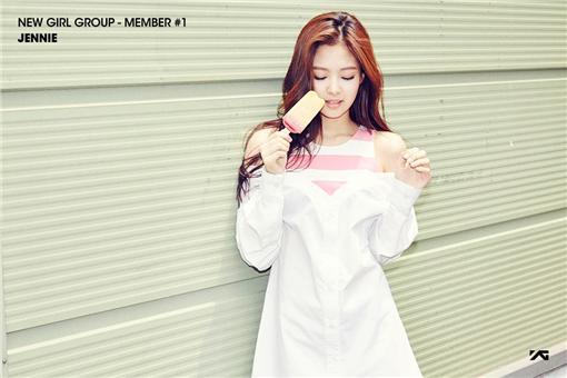 翻攝自YG官方臉書 新女團成員JENNIE