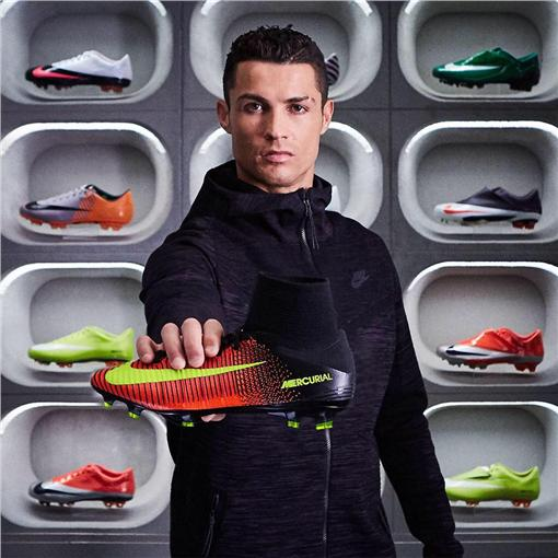羅納度(圖/翻攝自Cristiano Ronaldo臉書)