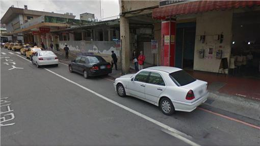 拖吊車,違停,基隆,交通堵塞,林右昌,汽車,停車,紅線,違規google map
