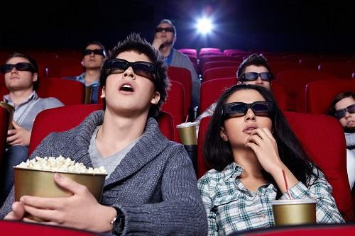 ▲進電影院看電影 最多人用這種方式買票(圖/波仕特線上市調網)