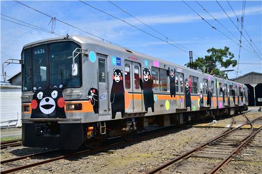 熊本熊彩繪列車。(圖/翻攝自熊本電気鉄道臉書粉絲頁)