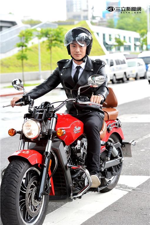 《我的極品男友》林佑威騎重機