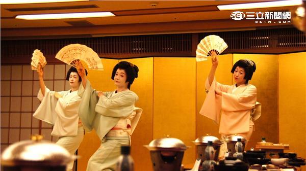 加賀屋邀請古都金澤藝妓來台。(圖/加賀屋提供)
