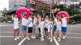 三立、東森新週五華劇「飛魚高校生」 飛魚泳隊八成員 濕身快閃街頭