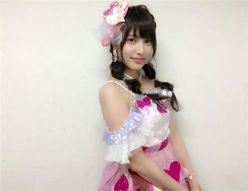 AKB48,入山杏奈,握手會,瘋狂粉絲,砍傷,日本女星 入山杏奈推特