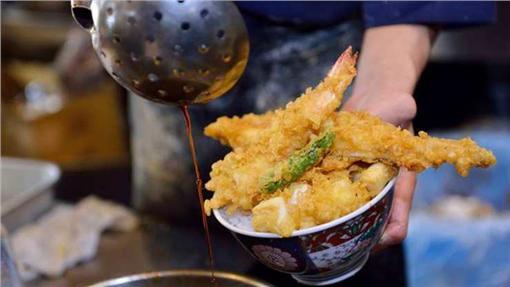 日本百年傳統名店下町天丼秋光。(圖/翻攝自下町天丼秋光臉書)