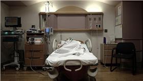 產房、醫院、病房(Flickr/george ruiz) https://goo.gl/ATiwiM