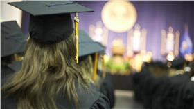 畢業典禮,步道,畢業生,學校 圖/shutterstock/達志影像