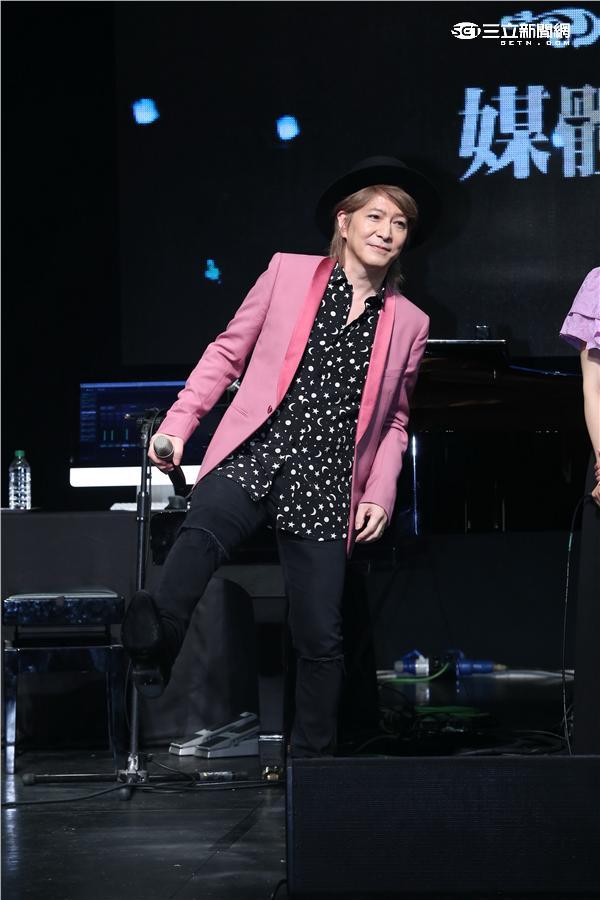 小室哲哉睽違十九年來台秀琴技,與坂本美雨合作鋼琴獨奏演唱會再現小室經典名曲