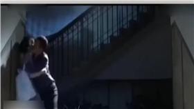 電視劇,強吻(圖/翻攝自安徽衛視) http://v.youku.com/v_show/id_XMTYxMTYwMTAwNA==.html?f=27469055#paction