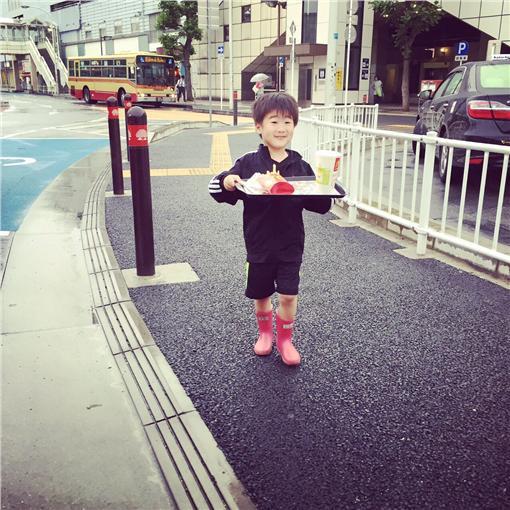日網友買麥當勞 /翻攝自hayato_arakaki推特