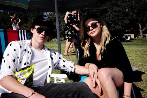 魯克林(Brooklyn Beckham)和超殺女 克蘿伊摩蕾茲(Chloe Moretz)(圖/brooklynbeckham IG)