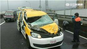 復興航空南港空難撞擊到的計程車
