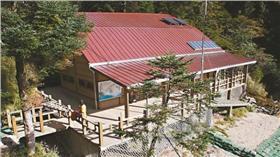向陽山屋將停止對外開放兩個月。 圖/台東林管處提供
