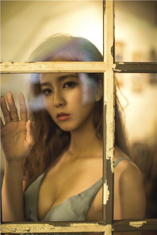 GQ雜誌7月號封面人物周曉涵/GQ提供