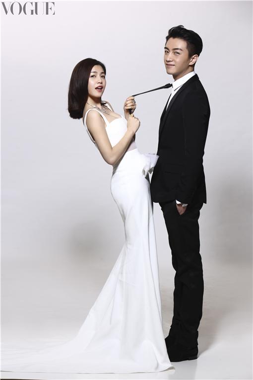 陳妍希、陳曉7月號封面/VOGUE提供