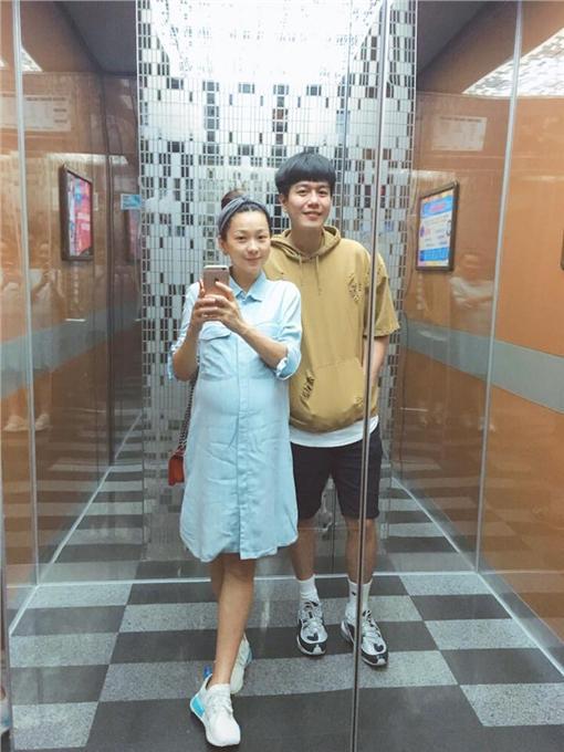六月 李易 懷孕 圖/六月臉書