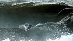 衝浪、海浪、海邊、老外、海上運動(圖/路透社/達志影像)