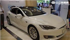 Tesla 特斯拉 快閃店 新光三越信義新天地