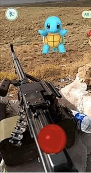 美國大兵前線玩Pokémon Go 圖/翻攝自Louis Park臉書