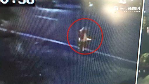 七旬婦人過馬路遭撞飛4米 重傷不治│三立新聞台