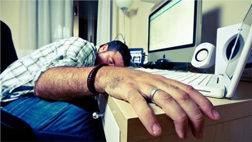 職場,工作,過勞,上班族(flickr/reynermedia)https://goo.gl/MZ2kGG